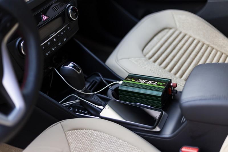 کاربرد مبدل برق خودرو و انواع آن - مبدل برق خودرو